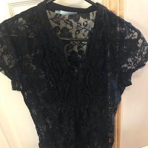 Sheer vneck lacy shirt